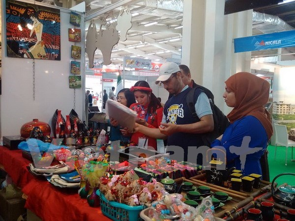 Empresas vietnamitas participan en feria internacional en Argelia hinh anh 1
