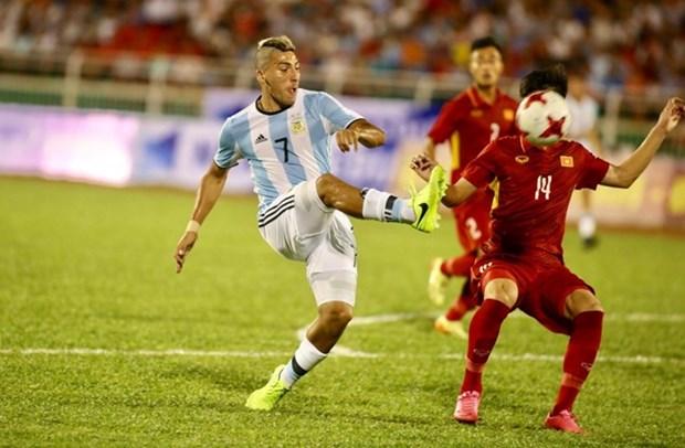 Seleccion vietnamita de futbol registra avances tras partido amistoso con Argentina hinh anh 1