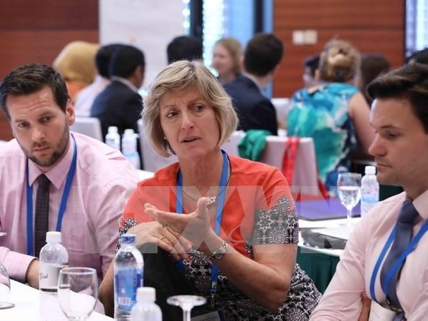 Altos funcionarios del APEC debaten sobre rol de mujeres y desarrollo de recursos humanos hinh anh 1