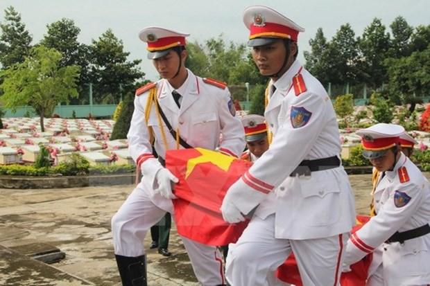 Entierran restos de martires vietnamitas caidos en Laos hinh anh 1