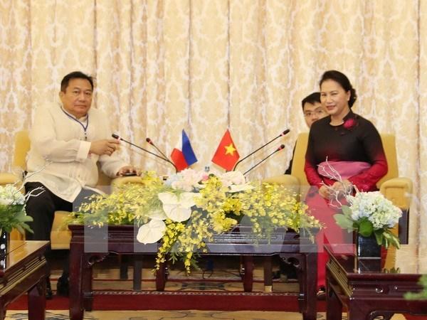 Vietnam y Filipinas por consolidar cooperacion en enfrentamiento a cambio climatico hinh anh 1
