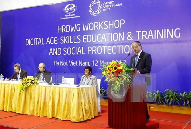Altos funcionarios de APEC por impulsar formacion vocacional y bienestar social hinh anh 1