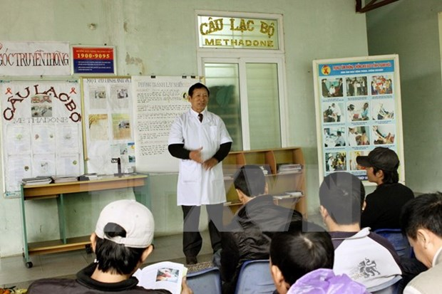 Provincia vietnamita ayuda a la compra de seguro medico para infectados por VIH hinh anh 1