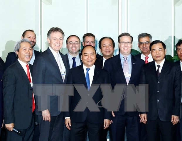 Premier promete facilitar inversion extranjera en Vietnam hinh anh 1