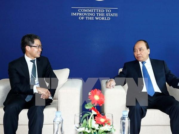 Premier de Vietnam se reune con lideres empresariales al margen de FEM sobre ASEAN hinh anh 1