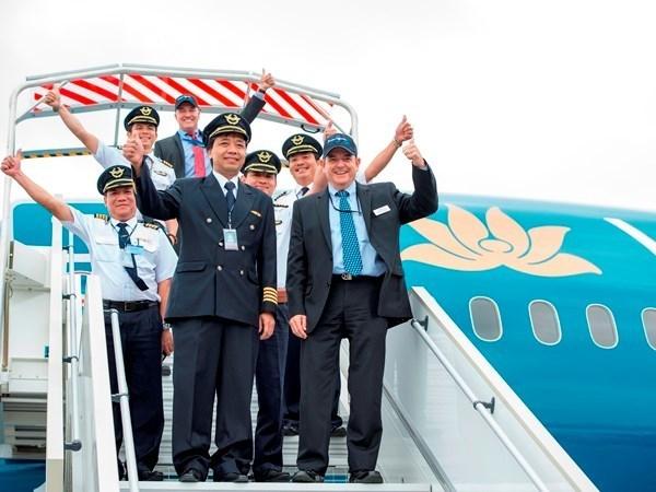 Pilotos comerciales vietnamitas se graduan en Australia hinh anh 1