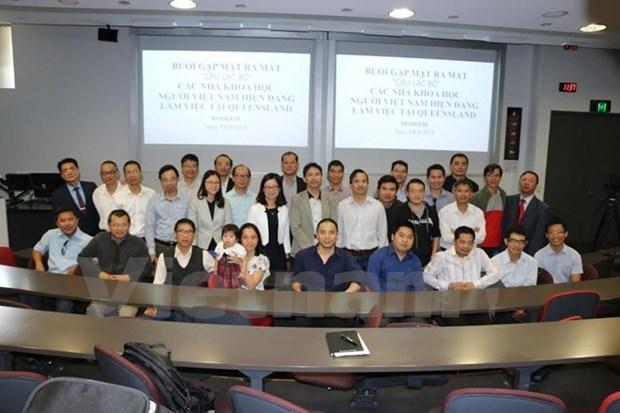 Establecen primer club de cientificos vietnamitas en Australia hinh anh 1