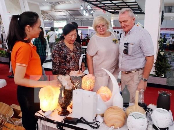 Presentes empresas extranjeras en exhibicion de sector de construccion en Hanoi hinh anh 1