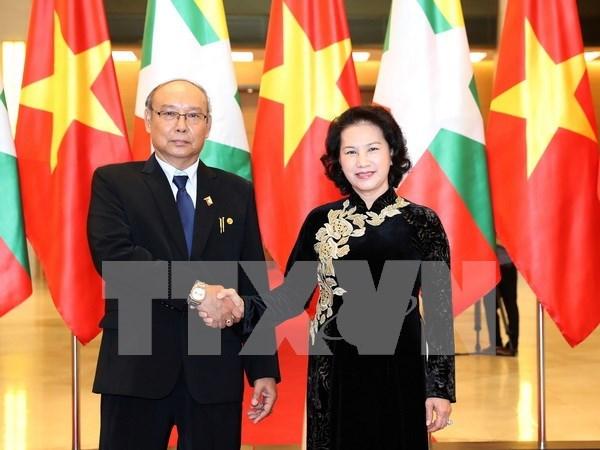 Lider legislativo de Myanmar concluye visita a Vietnam hinh anh 1