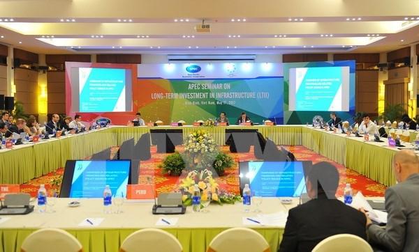 APEC 2017: Efectuan en Vietnam conferencia sobre inversion a largo plazo en infraestructura hinh anh 1