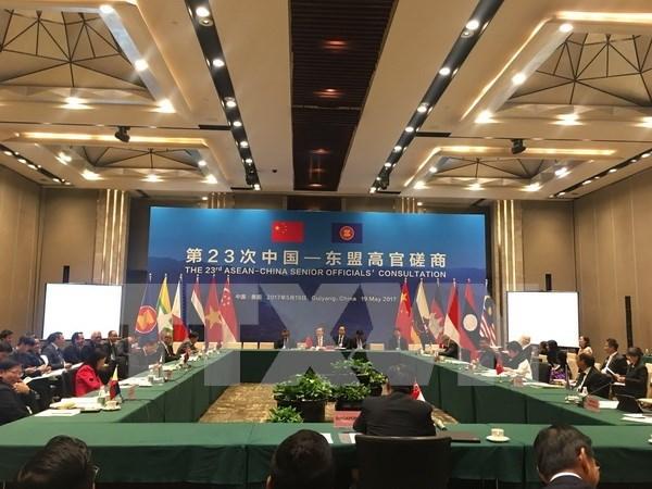 Vietnam asiste a la XXIII Consulta de Altos Funcionarios ASEAN-China hinh anh 1