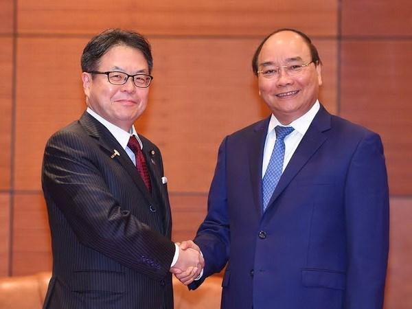 Premier vietnamita recibe a ministro nipon de Economia, Comercio e Industria hinh anh 1