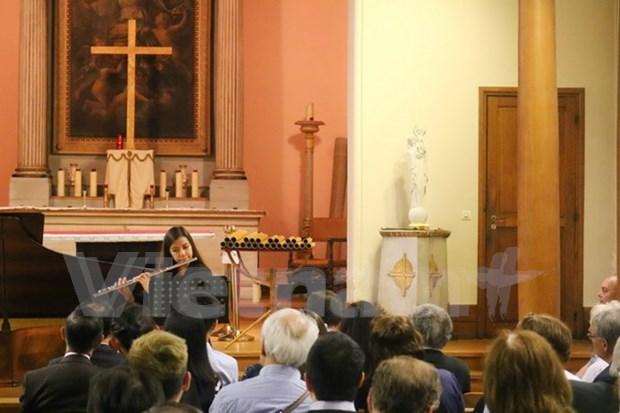 Efectuan en Paris concierto benefico a favor de alumnos vietnamitas con situacion dificil hinh anh 1