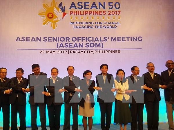 Altos funcionarios de ASEAN se reunen en Filipinas hinh anh 1