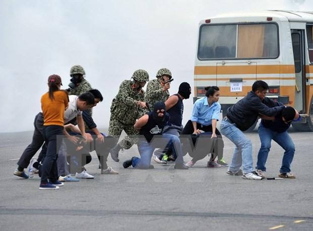Fuerzas especiales de Vietnam realizan simulacro antiterrorista hinh anh 1