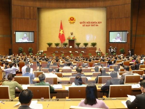 Electores vietnamitas muestran interes en temas debatidos en sesiones parlamentarias hinh anh 1