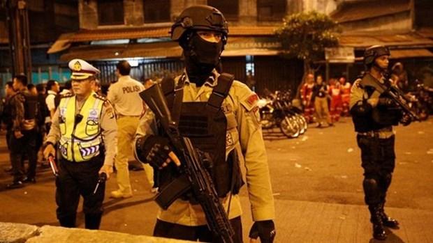 Indonesia arresta a tres sospechosos por ataque suicida en Yakarta hinh anh 1