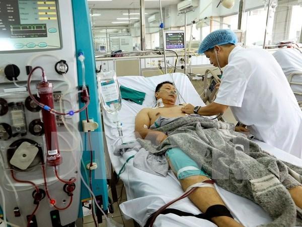 Hanoi revisa proceso de hemodialisis tras incidente en Hoa Binh hinh anh 1