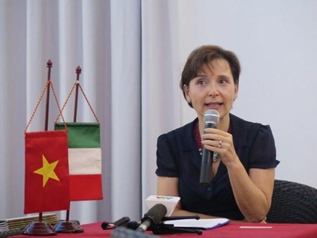 Celebran encuentro amistoso en Hanoi por Fiesta de la Republica Italiana hinh anh 1