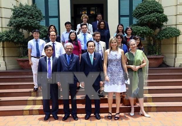 Inclusion financiera, herramienta util para crecimiento sostenible de Vietnam hinh anh 1