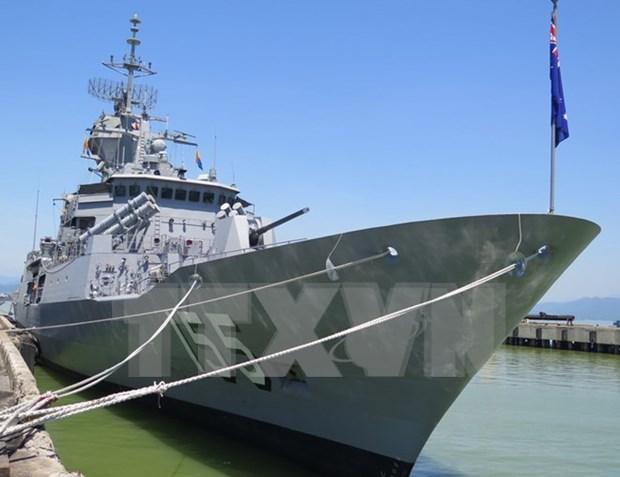 Buque australiano HMAS Ballarat visita Da Nang hinh anh 1