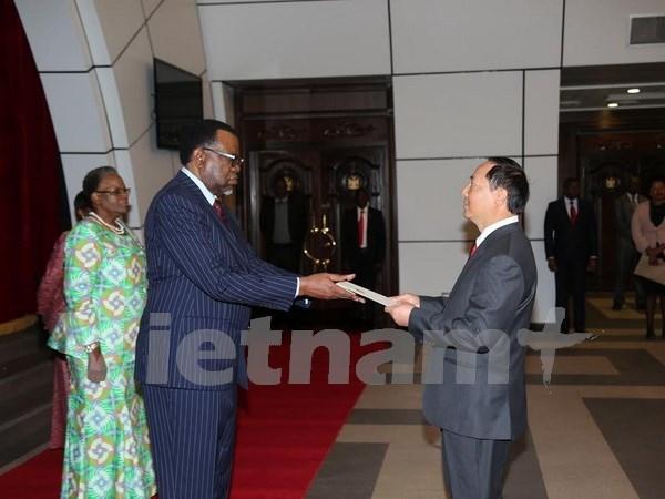 Namibia aspira a estudiar experiencias en desarrollo de Vietnam hinh anh 1
