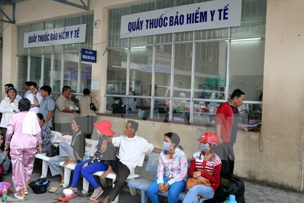 Buscan soluciones para deficiencias de servicios de medicina tradicional segun seguro medico hinh anh 1