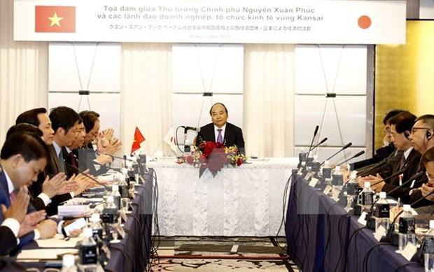 Premier vietnamita dialoga con empresas de Kansai hinh anh 1