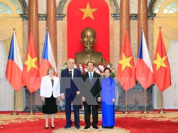 Vietnam y Republica Checa ratifican voluntad de profundizar lazos bilaterales hinh anh 1