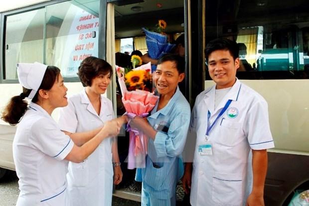 Salen de hospital pacientes de incidente medico de Hoa Binh hinh anh 1