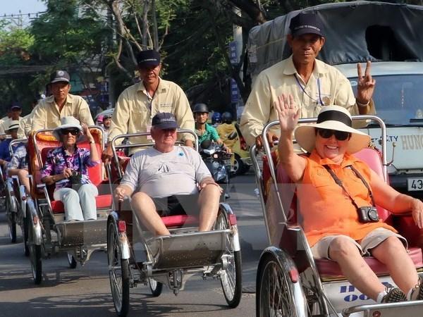 Aerolineas vietnamitas promueven turismo de Vietnam en Japon hinh anh 1