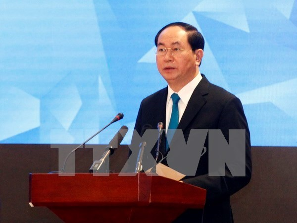 Dirigentes vietnamitas felicitan a Rusia y Filipinas por Dia Nacional hinh anh 1