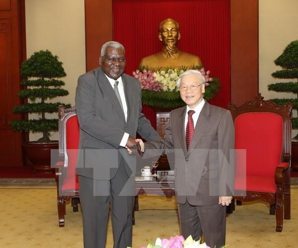 Secretario general del PCV exhorta a esfuerzos por forjar nexos hermanos con Cuba hinh anh 1