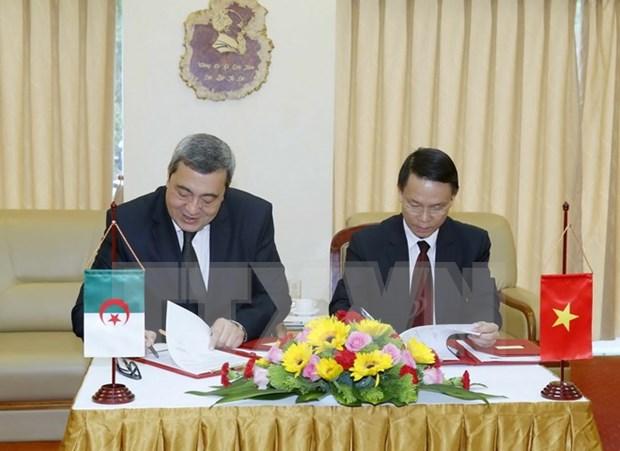 VNA y Agencia de Prensa de Argelia firman acuerdo de cooperacion hinh anh 1