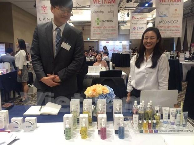 Vietnam gasta dos mil millones de dolares en productos cosmeticos hinh anh 1