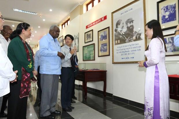 Presidente de la Asamblea Nacional de Cuba, Esteban Lazo, visita provincia survietnamita hinh anh 1