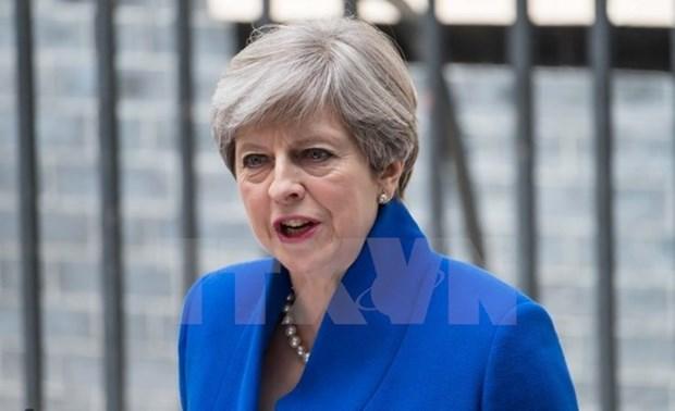 Primer ministro de Vietnam felicita a Theresa May por su reeleccion hinh anh 1