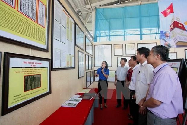 Presentan en provincia vietnamita mapas y documentos sobre la soberania maritima nacional hinh anh 1