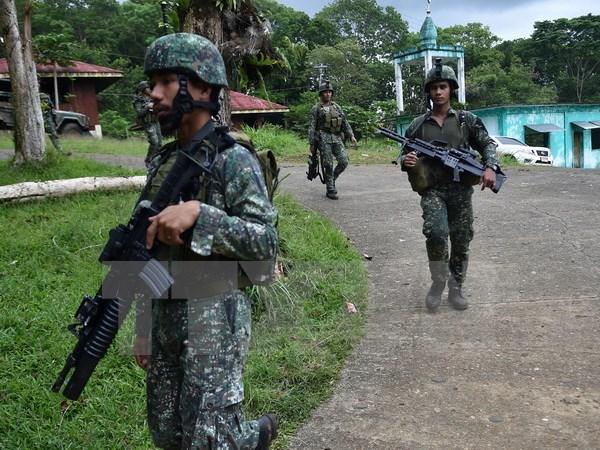 Ejercito de Filipinas contrarresta ataque de extremistas islamicos hinh anh 1