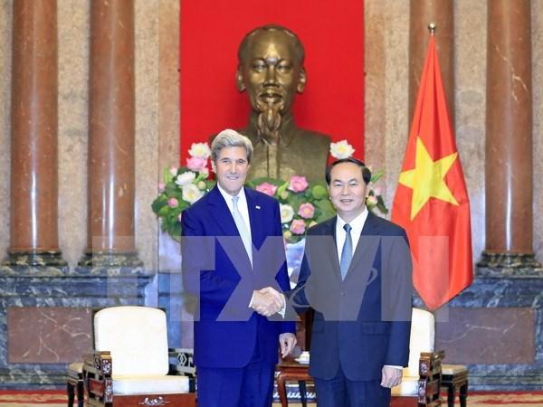 Presidente de Vietnam recibe a John Kerry hinh anh 1