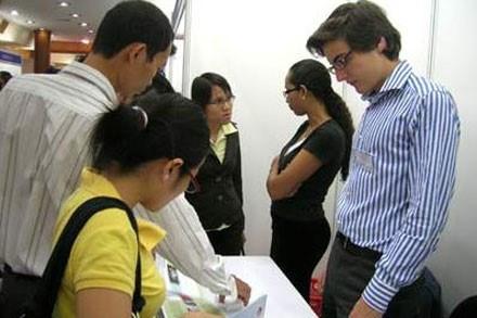 Aumenta numero de trabajadores extranjeros en Vietnam hinh anh 1