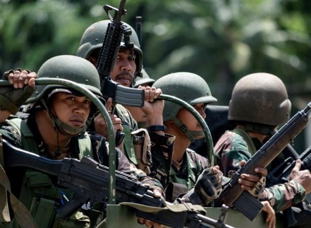 Filipinas, Malasia e Indonesia impulsan esfuerzos conjuntos en lucha antiterrorista hinh anh 1