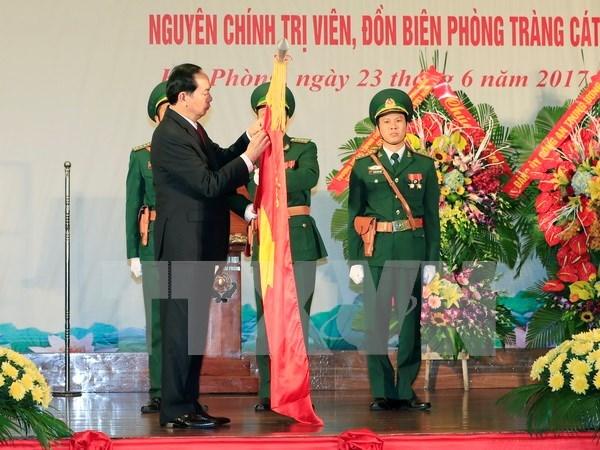 Presidente vietnamita honra a fuerzas guardafronteras de Hai Phong con titulo de heroe hinh anh 1
