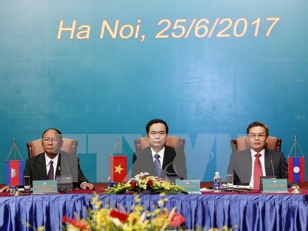 Frentes de Patria de Vietnam, Laos y Camboya impulsan cooperacion hinh anh 1