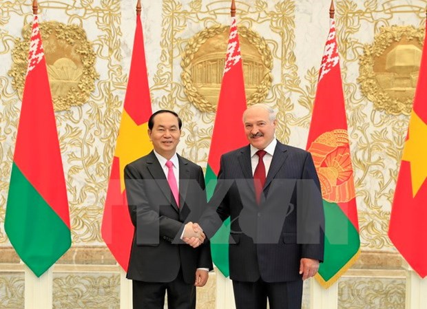 Vietnam y Belarus decididos a desarrollar nexos multifaceticos hinh anh 1