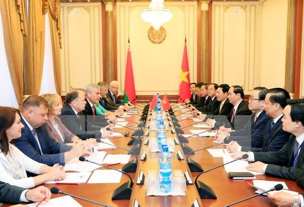 Alta confianza politica: preciado tesoro de Vietnam y Belarus hinh anh 1