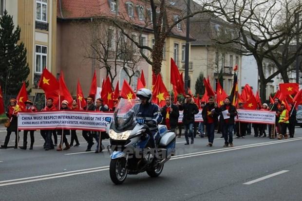 Vietnamitas residentes en Europa solicitan debate de cuestion del Mar del Este en Cumbre del G20 hinh anh 1