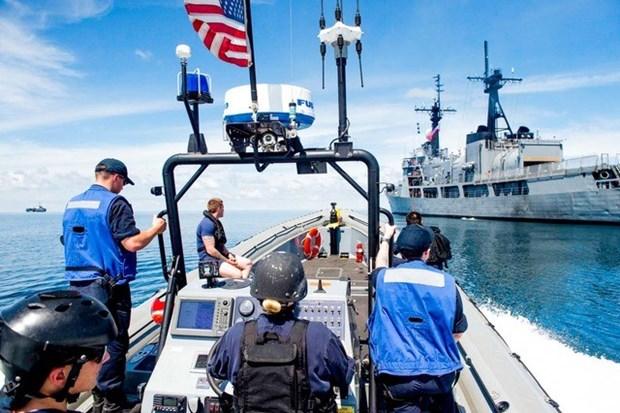 Armadas de Estados Unidos y Filipinas realizan patrullaje conjunto hinh anh 1