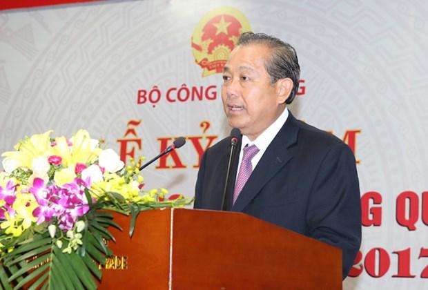 Vicepremier vietnamita pide reforzar la lucha contra el contrabando y fraude comercial hinh anh 1