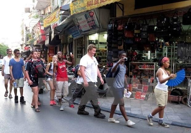 Aumenta llegada de turistas extranjeros a Vietnam en primer semestre de 2017 hinh anh 1